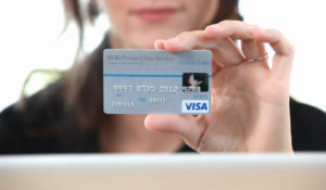 Carte Bancaire Gratuite Avec Argent.Carte De Credit Gratuite Banques En Ligne Mon Comparatif